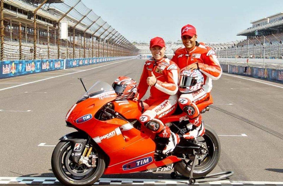 Mamola... vola con la Ducati Biposto