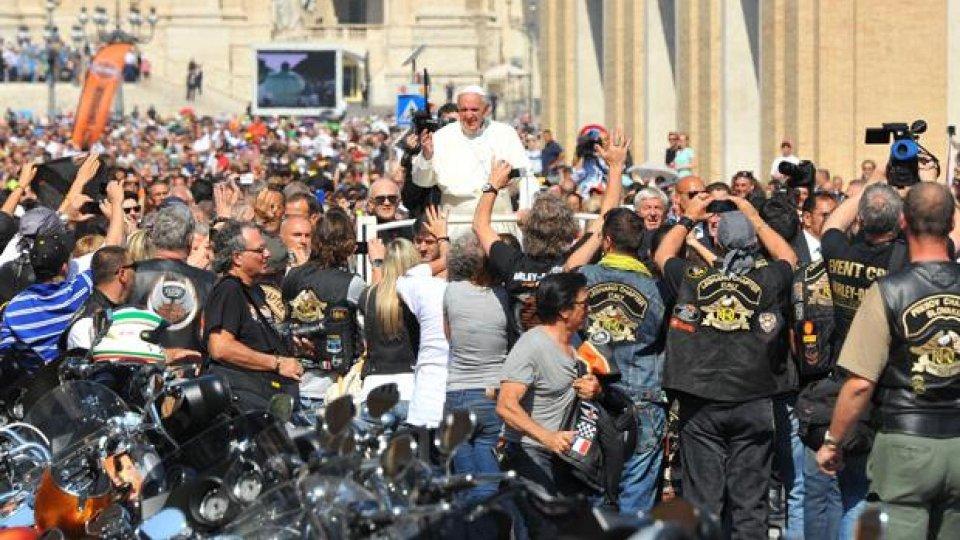 Moto - News: Papa Francesco benedice le Harley-Davidson - FOTO