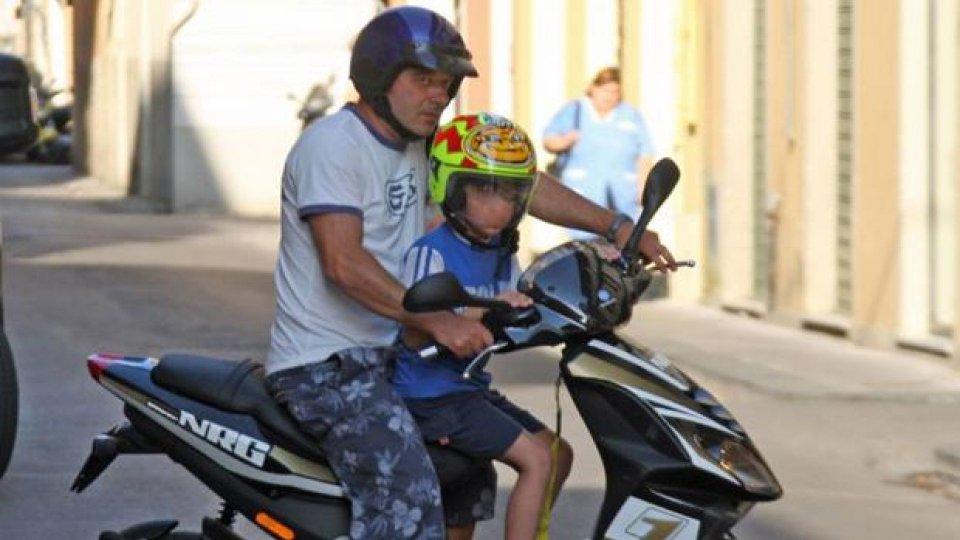 Moto - News: Incidente in moto: grave una bimba di cinque mesi