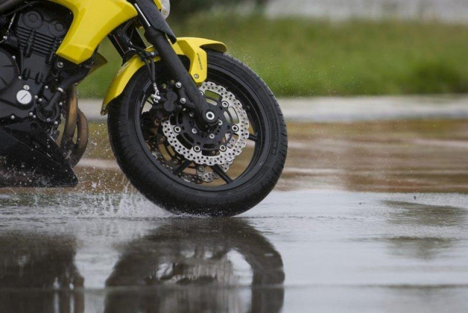 Moto - News: Michelin presenta il suo Pilot Road 4