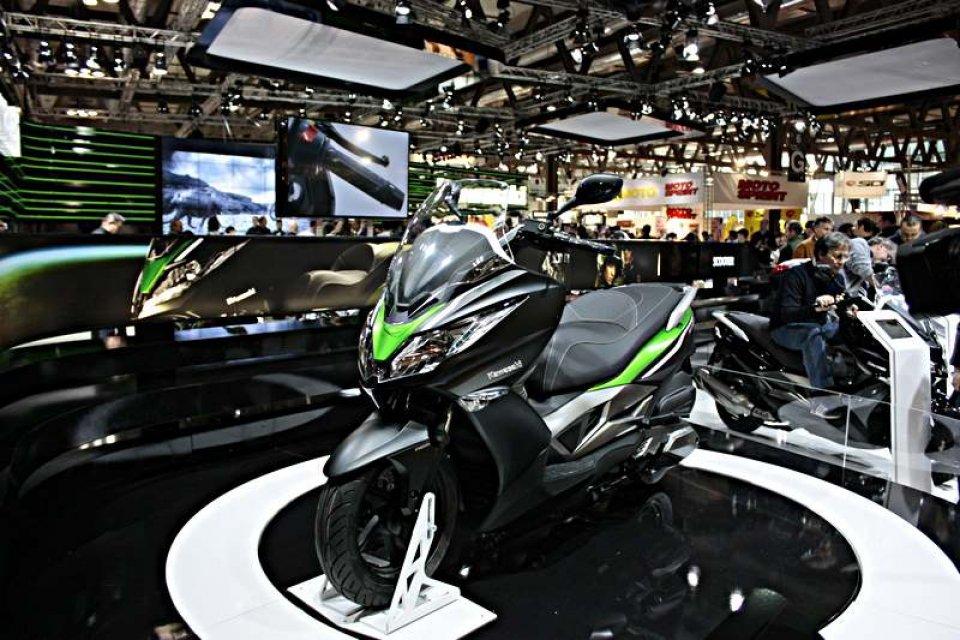 Kawasaki promuove il suo J300