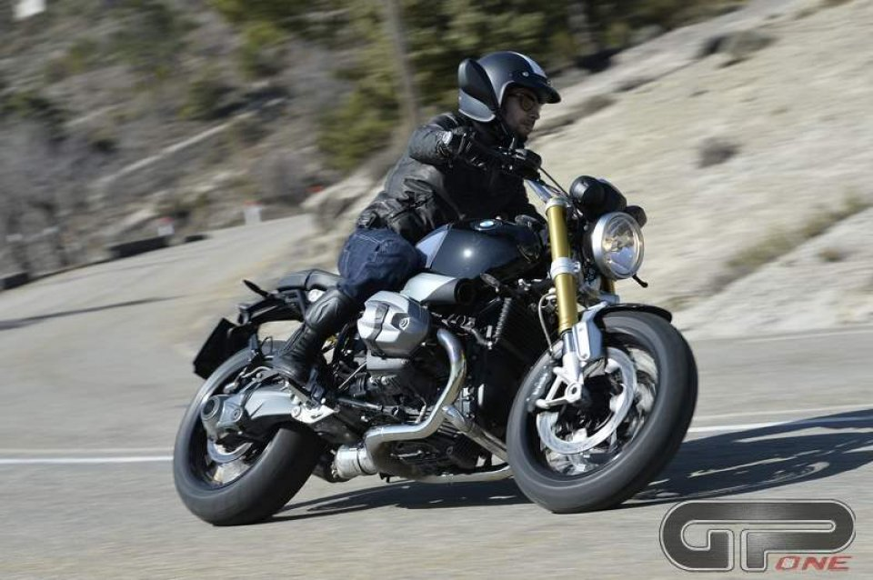 BMW R NineT: The ecstasy of Gold