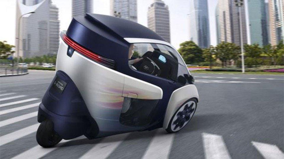 Moto - News: Toyota i-Road: 20 tester lo giudicheranno in Giappone