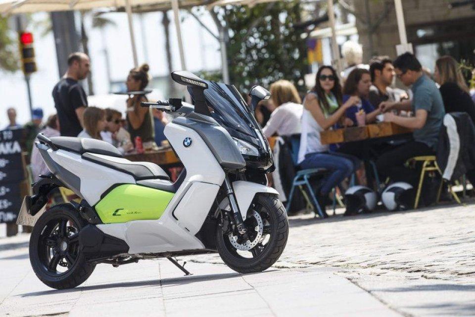 BMW C Evolution: elettricità in movimento
