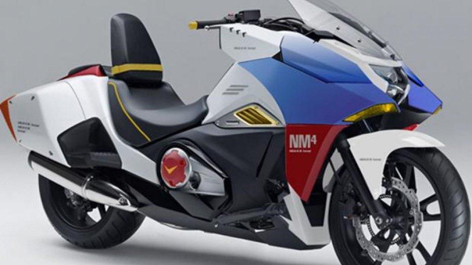 Moto - News: Honda NM4 Vultus replica Gundam