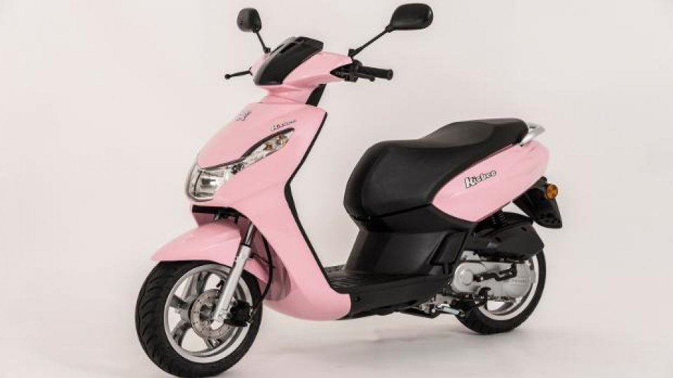 Moto - News: Peugeot Scooters Kisbee 50 4T in colorazione Candy Pink