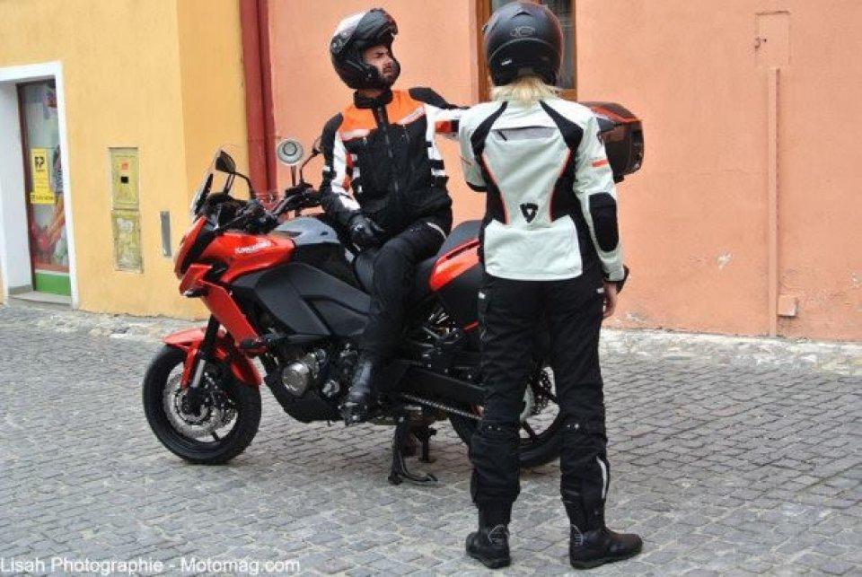 Kawasaki Versys 2015: spunta una foto spia
