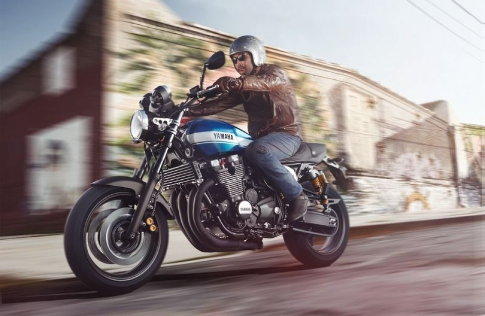 Yamaha XJR 1300: retrò al futuro!