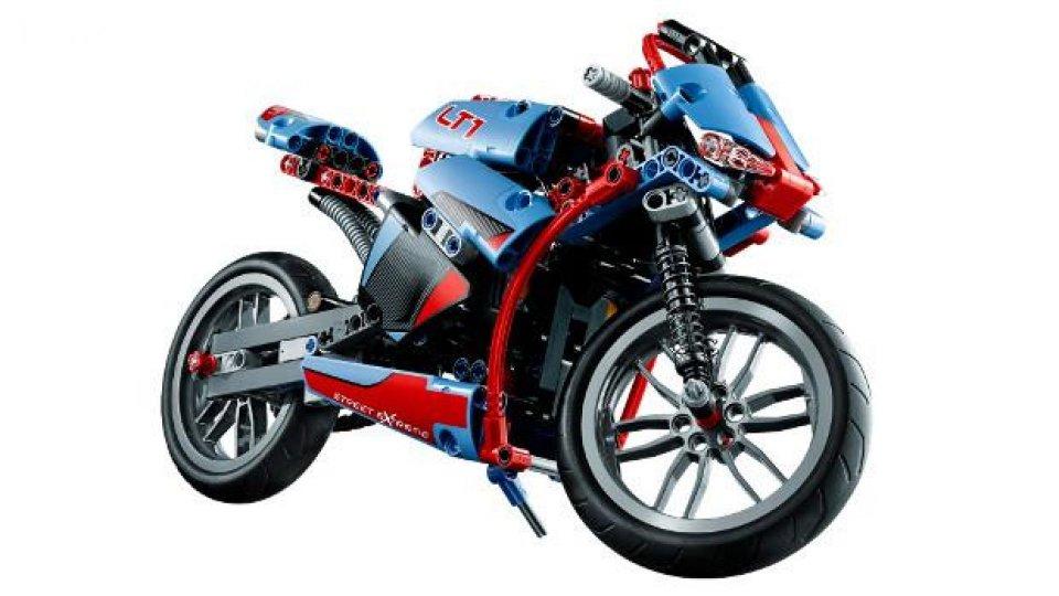 Moto - News: Lego: moto da costruire con pistoni e trasmissione! VIDEO