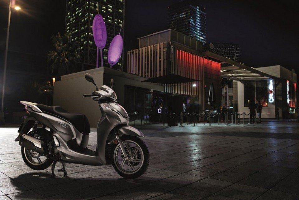 Honda: presentato il nuovo SH300 ie ABS