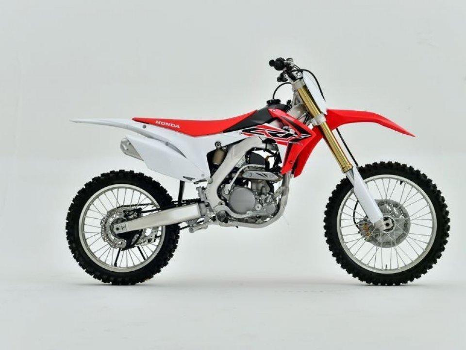 Honda: la gamma CRF-R 250/450 My16