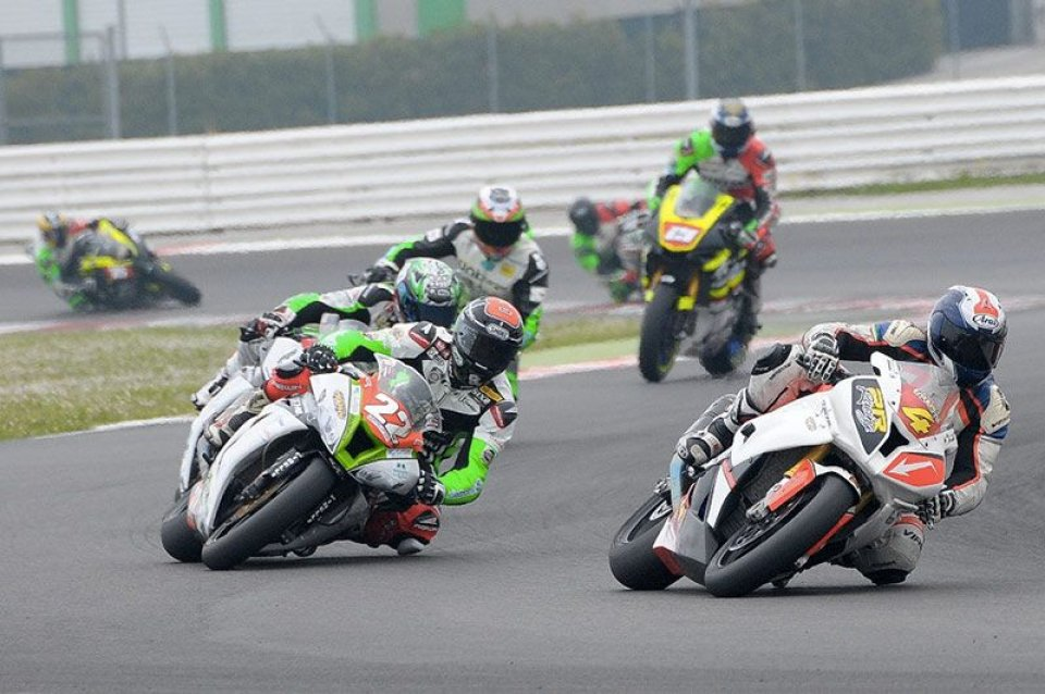Moto - News: Anche GPOne in gara al National Trophy