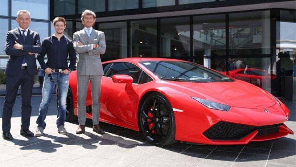 Moto - News: Stoner prende una Lamborghini Huracán per le corna