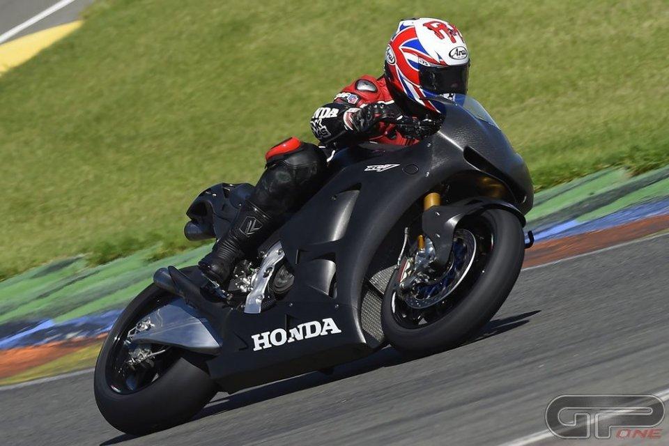 Honda RC213V-S: Ron Haslam la prova per noi