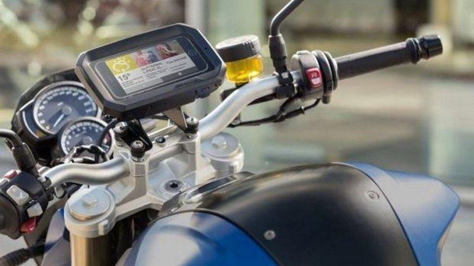 Moto - News: BMW Motorrad: un nuovo porta-smartphone nella gamma accessori ufficiali