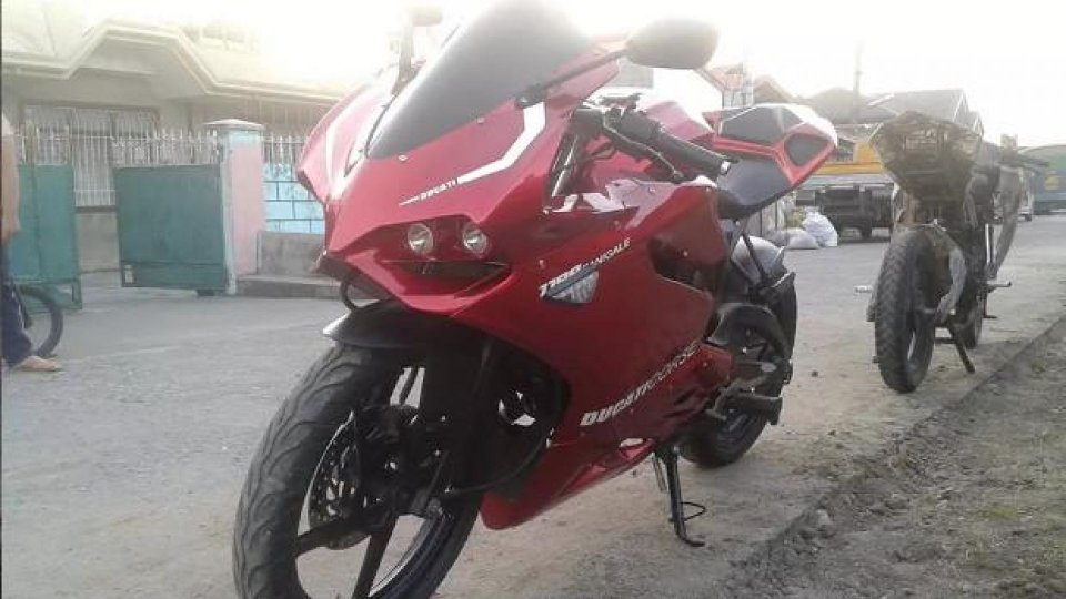 Moto - News: Una Ducati Panigale... indiana!
