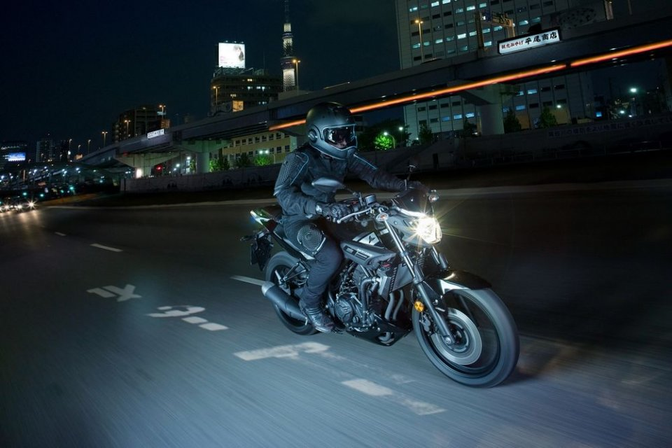 Yamaha: nuove leve Dark con la MT-03