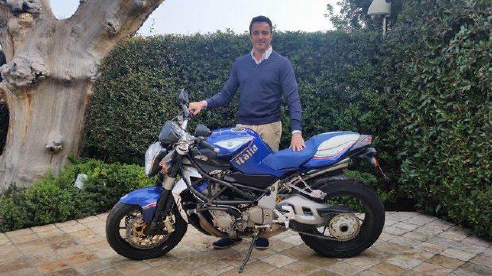 """Moto - News: MV Agusta Brutale 910R in versione speciale """"Italia"""" all'asta su ebay"""