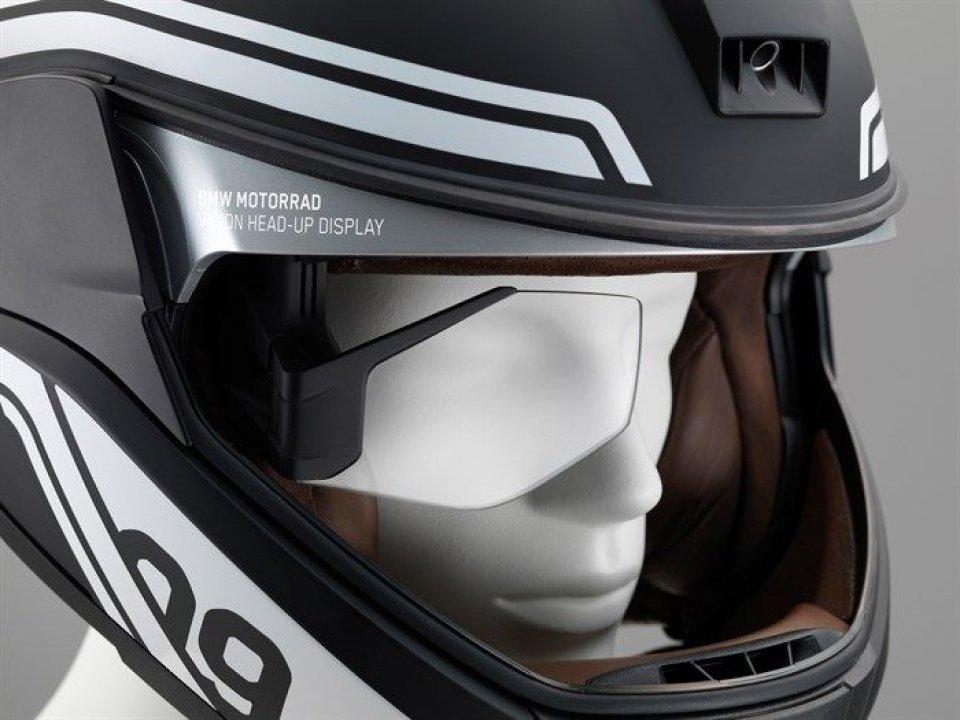 Fari laser e head-up display le novità BMW