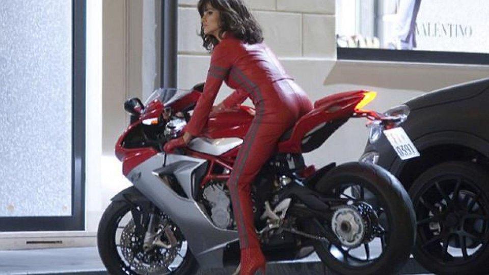Moto - News: Penelope Cruz cavalca la MV Agusta F3 in Zoolander 2