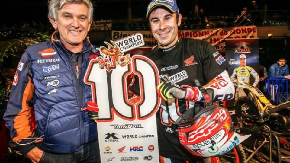 Moto - News: Toni Bou campione del mondo Trial Indoor per la decima volta