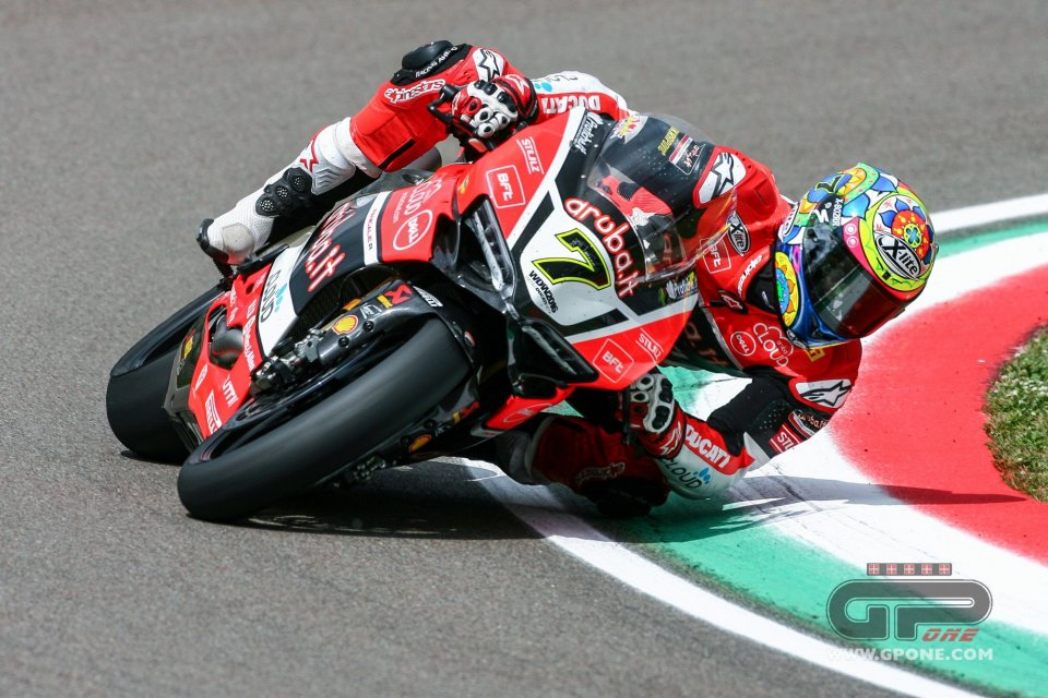 FP2: Davies continues to set the pace