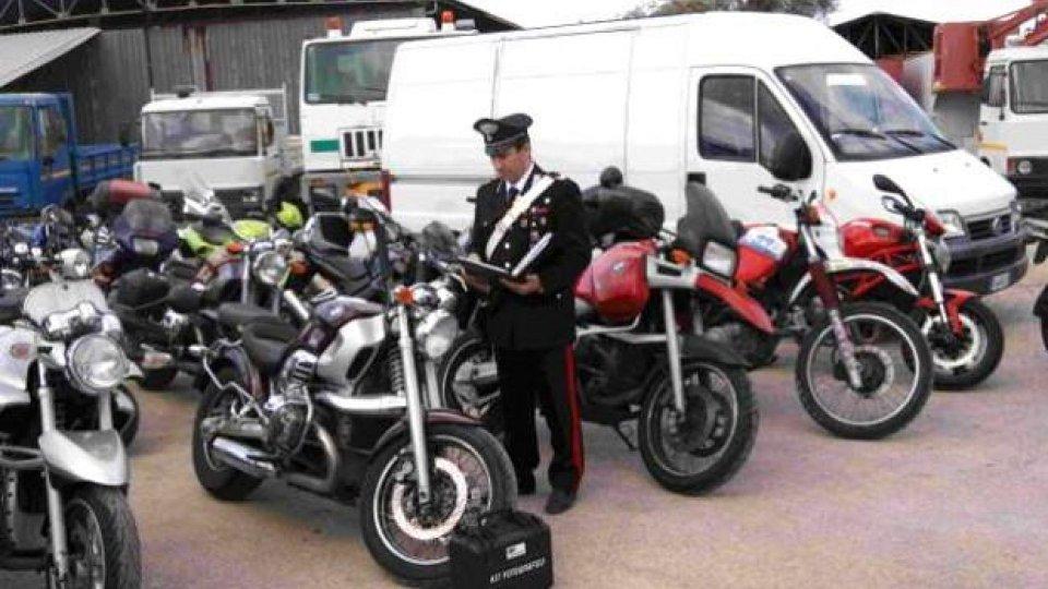 Moto - News: Napoli: bloccati otto container di moto rubate