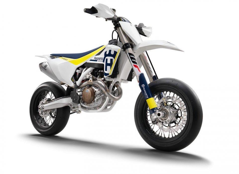Moto - News: Husqvarna Motorcycles FS 450 2017: arriva la nuova supermoto racing