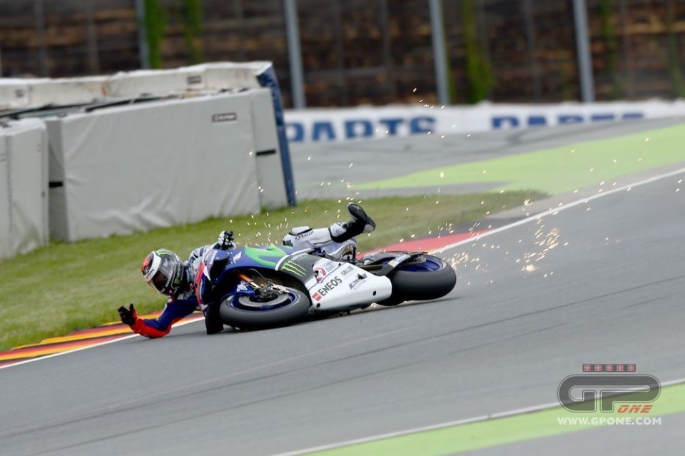 Sachsenring: turn 11, here is the solution