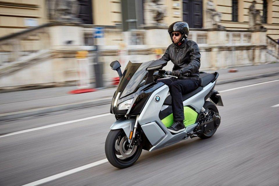 BMW C evolution 2017 arrivano due versioni