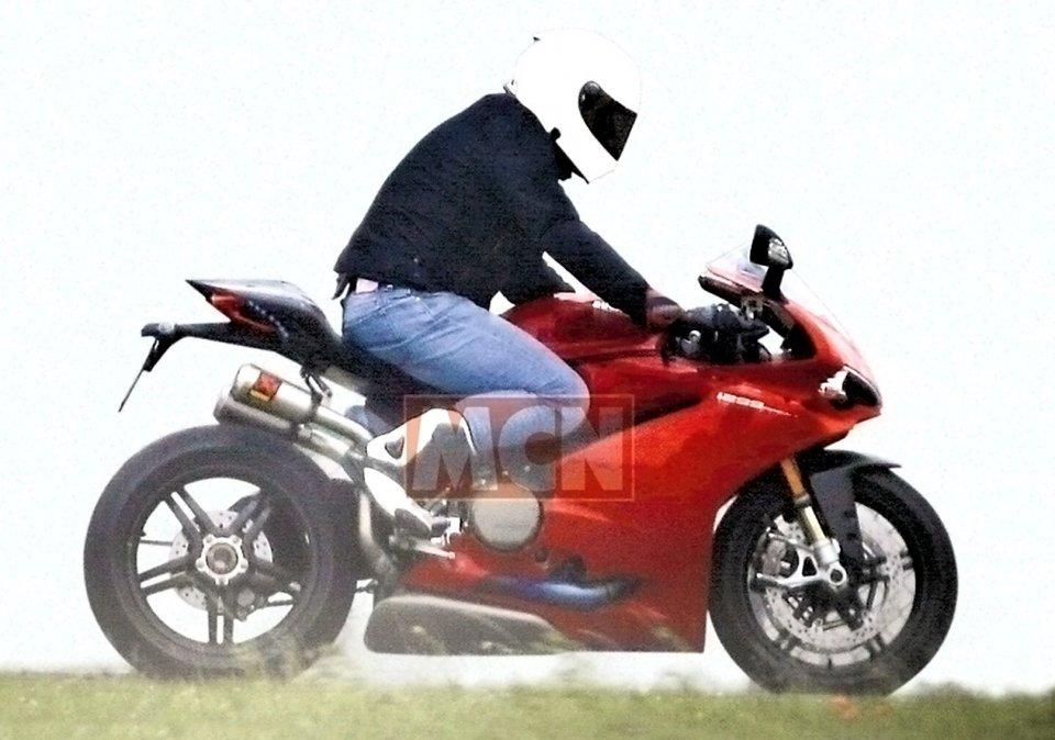 """Moto - News: Ducati """"Progetto 1408"""": se fosse lei?"""