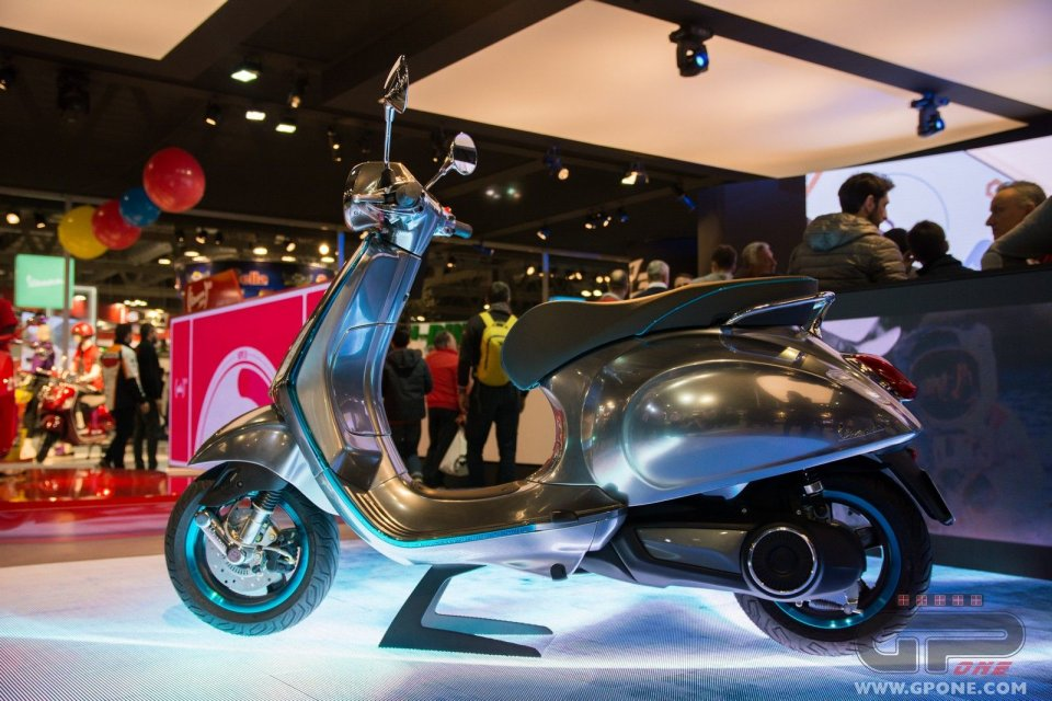 Moto - Scooter: Vespa passa all'elettrico: il mito abbraccia il futuro