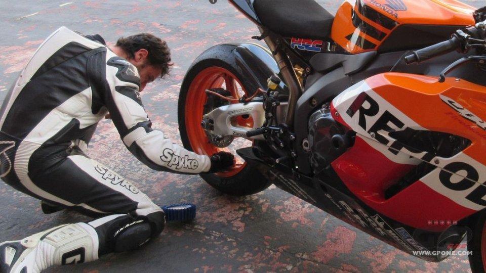 Moto - News: Test al Mugello delle Metzeler Racetec RR