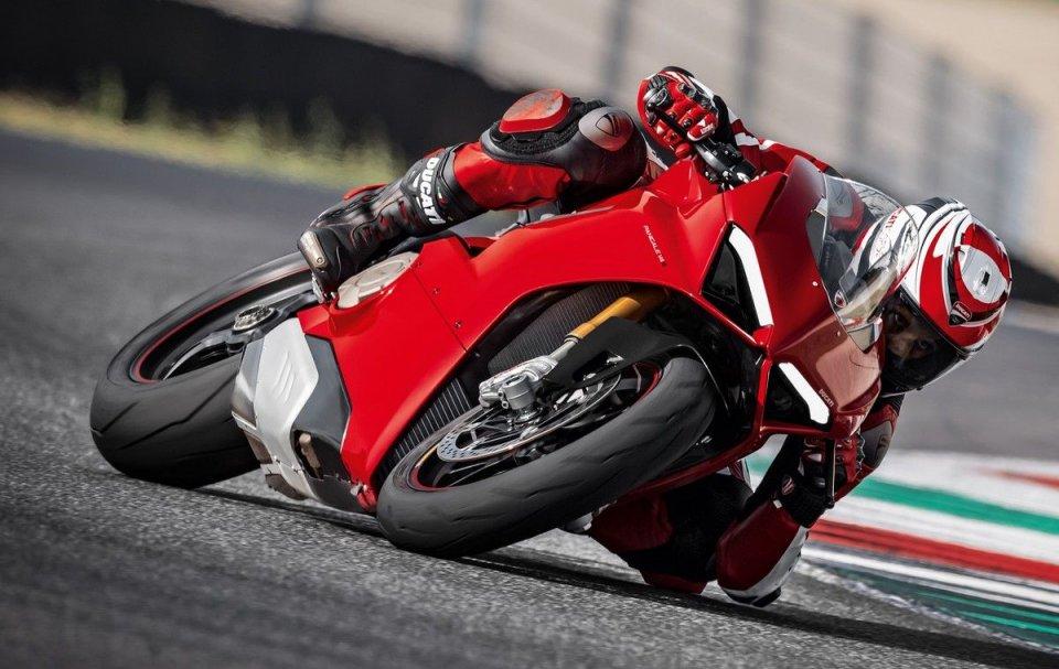 Moto - News: Eicma 2017, Ducati Panigale V4 S: sinfonia da MotoGP