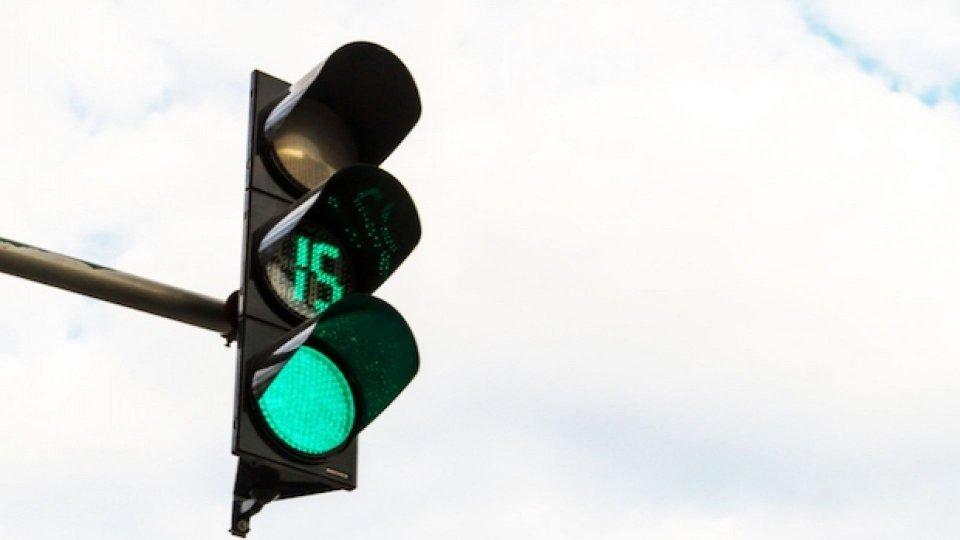 Moto - News: Semaforo countdown: aumenta la sicurezza stradale?
