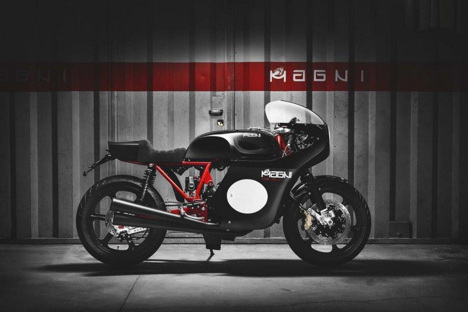 Moto - News: Magni Filo Rosso Black Edition: l'arte di unire presente e passato