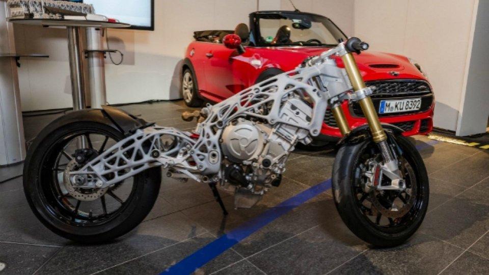Moto - News: Bmw svela la moto del futuro, stampata in 3D