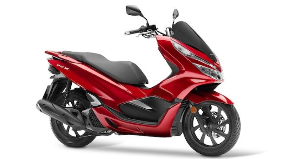 Moto - News: Honda PCX125 2018, lo scooter da oltre 47 km/l