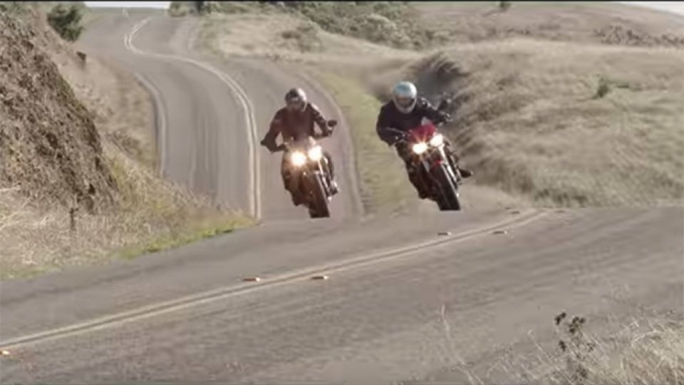 Moto - News: Triumph Street Triple e Speed Triple 2018 (VIDEO)