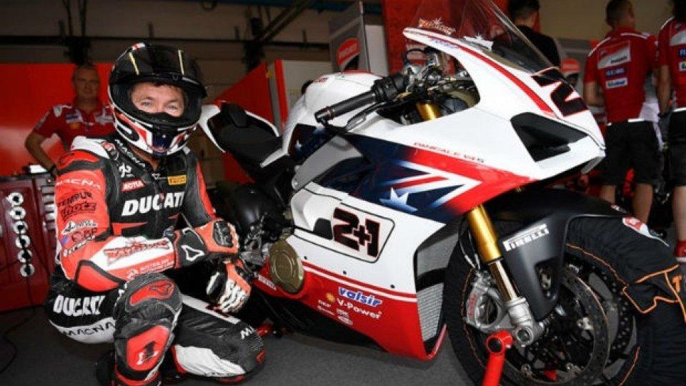 Moto - News: Ducati, vendute le Panigale V4S della Race of Champions