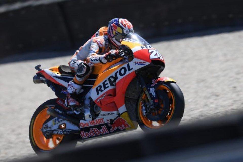 MotoGP: Pedrosa all'attacco, 1° davanti a Petrucci, 7° Rossi