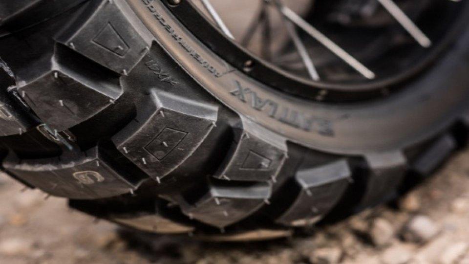 Moto - News: Bridgestone presenta quattro pneumatici premium a Intermot 2018