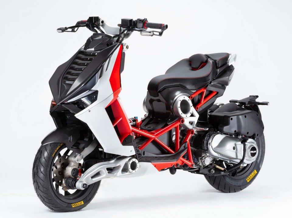 EICMA: Italjet a EICMA: ritorna il mitico scooter Dragster. Si aggiunge Caffeina