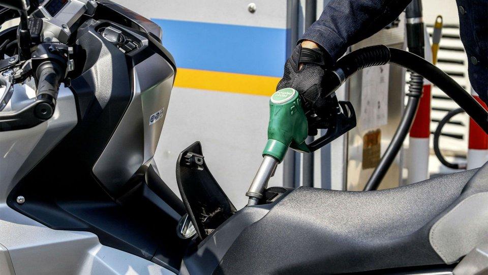 Moto - News: Bollo moto e auto, extra accise sul carburante