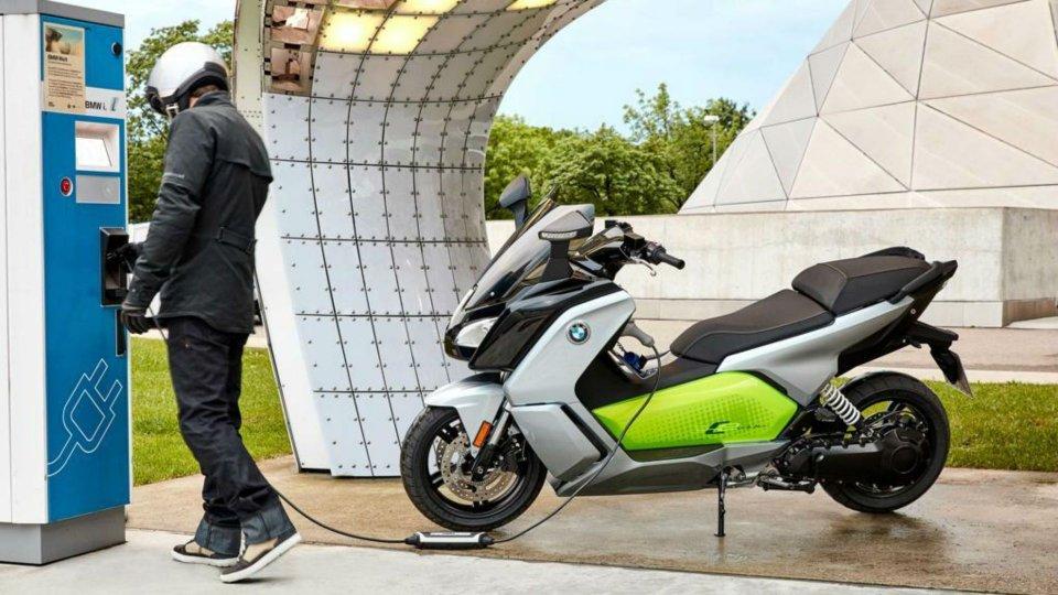 """Moto - News: Ecoincentivi: il Governo premia gli """"scooter verdi"""""""