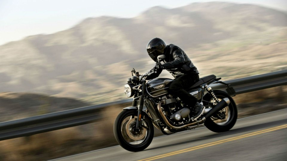 Moto - News: Triumph, la nuova Speed Twin in azione [VIDEO]