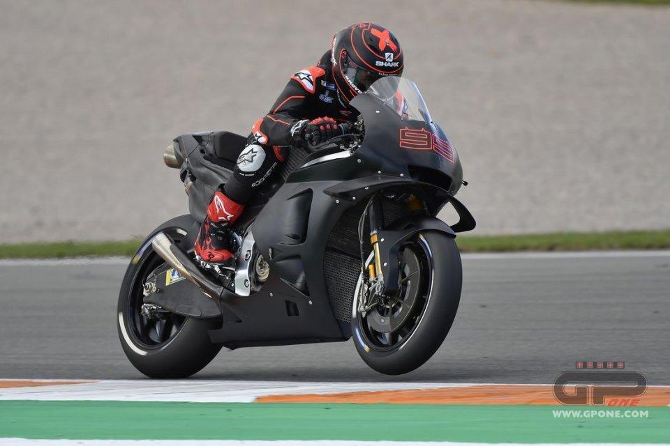 MotoGP: Lorenzo: E' il pilota, non la moto, a fare la differenza