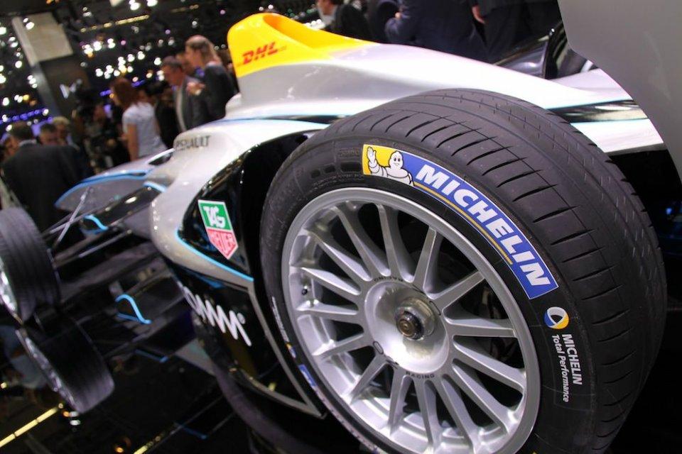 La Formula E tira la volata alla Moto E