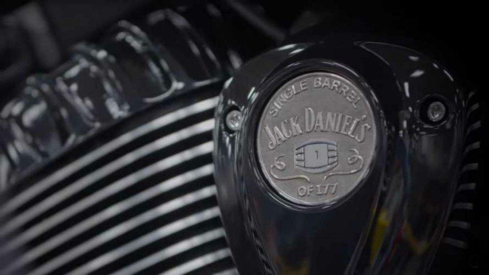 Moto - News: Indian Motorcycle, nuova collaborazione con Jack Daniels [VIDEO]
