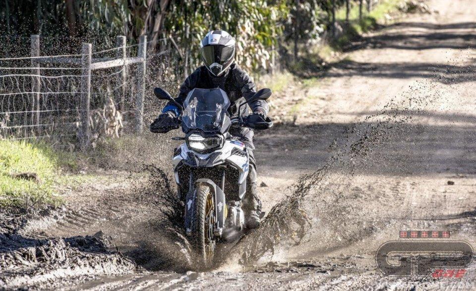 Moto - Test: Michelin Anakee Adventure: più sapore all'avventura